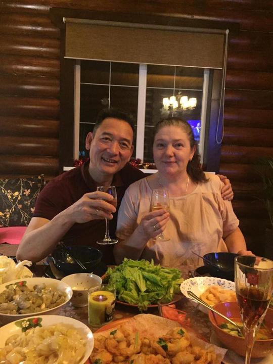 Bố mẹ thủ môn Đặng Văn Lâm hiện đang sống ở Nga