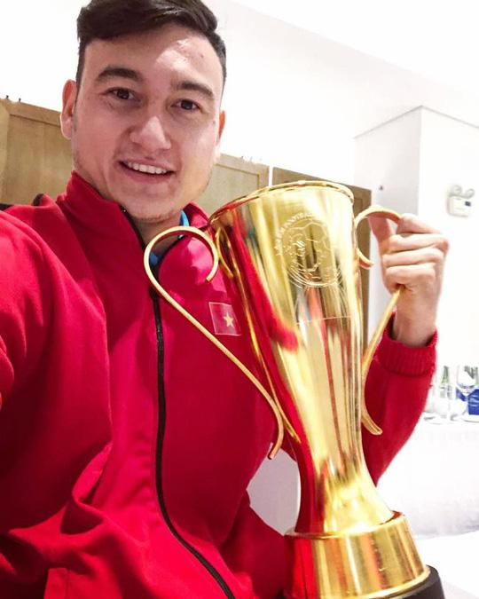 Đặng Văn Lâm sau chức vô địch AFF Cup 2018