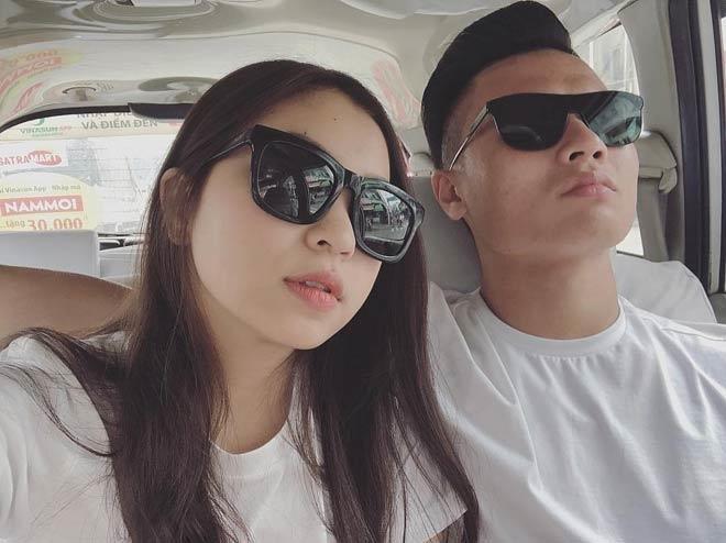 Quang Hải và bạn gái sở hữu gu thời trang cực chất. Ảnh: FBNV