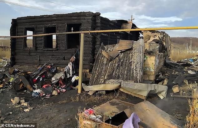 Toàn bộ ngôi nhà của chị Natalia đã bị cháy rụi.