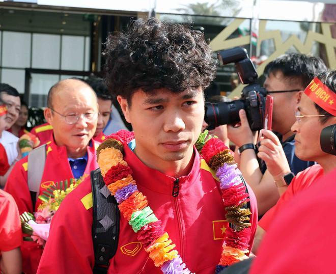 Công Phượng vừa đổi kiểu tóc trước thềm Asian Cup 2019. Tiền đạo thuộc biên chế HAGL sẽ lĩnh xướng áo số 10 ở giải đấu lần này.