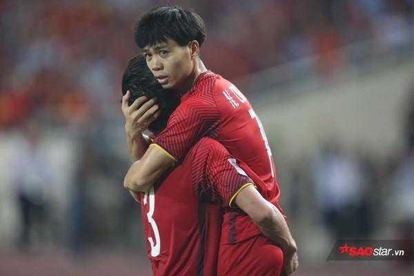 Công Phượng chơi rất hay trong hiệp 1 với 1 bàn thắng và góp công lớn khiến cầu thủ Iraq phản lưới nhà.