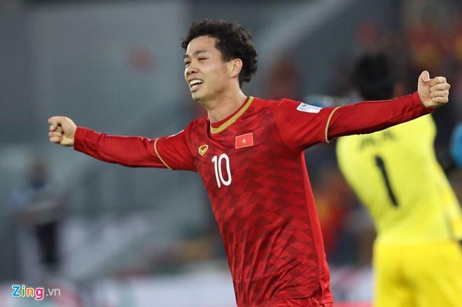 Công Phượng ăn mừng sau khi ghi bàn vào lưới đội tuyển Iraq. Ảnh: Minh Chiến