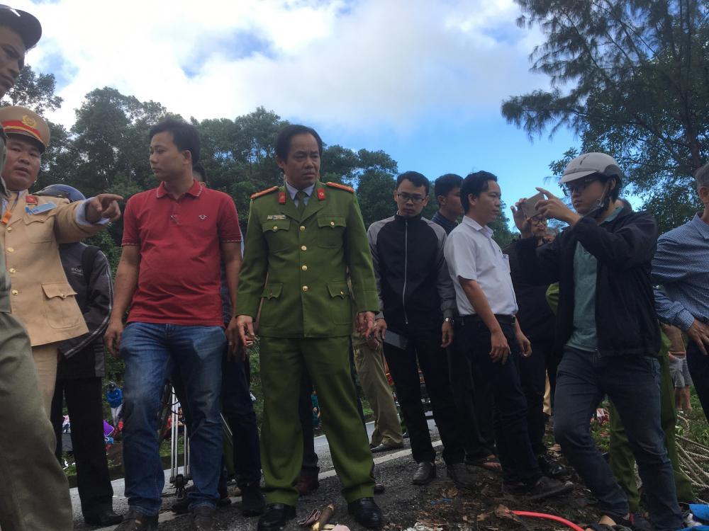 Đại tá Đặng Ngọc Sơn trực tiếp chỉ đạo hiện tại hiện trường.