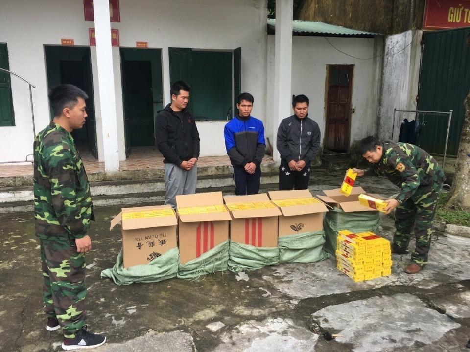 Đội tuần tra đã đưa 3 đối tượng và tang vật về Đồn Biên phòng Hải Hòa.
