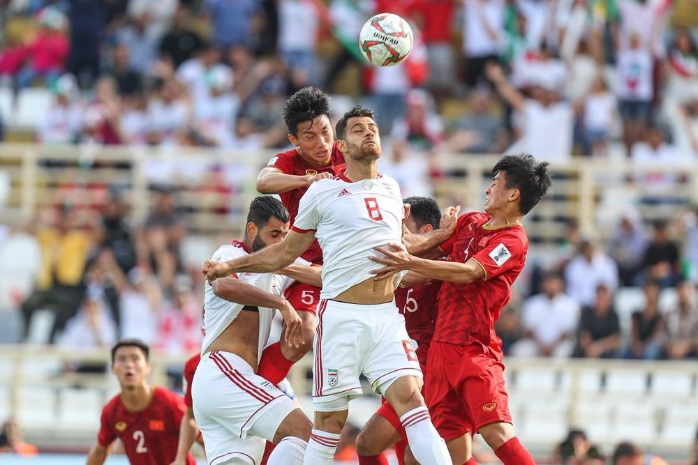 Tỷ lệ tranh chấp thành công của Việt Nam so với đối thủ là 48.1%, tranh chấp trên không thành công là 56.0%. Ảnh: AFC