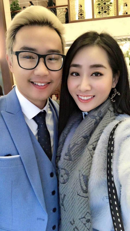 Diễn viên Minh Tít và Thuỳ Anh tới chúc mừng người anh lớn trong nghề kết thúc cuộc sống độc thân.