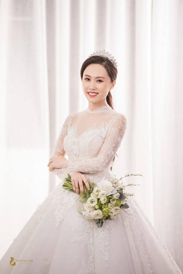 Ảnh đám cưới hạnh phúc của vợ chồng NSND Trung Hiếu. Ảnh: Lê Chí Linh