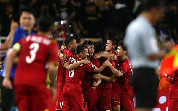 Việt Nam xuất sắc hạ Jordan để vào tứ kết.