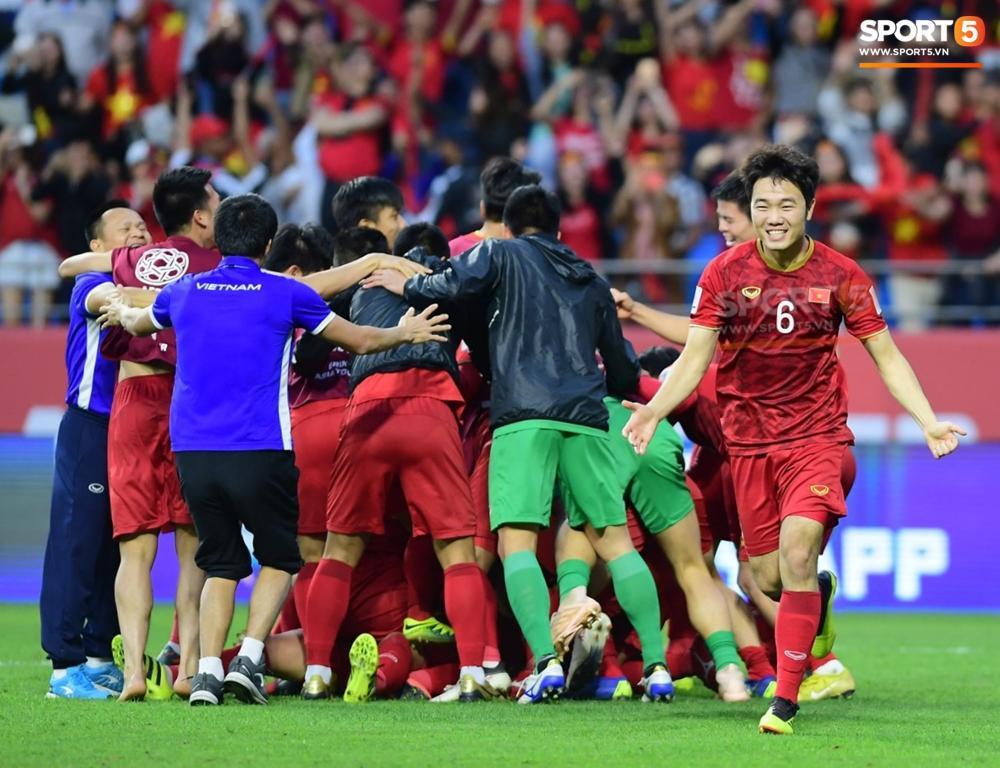 Đội tuyển Việt Nam giành chiến thắng kịch tính trước đội tuyển Jordan ở vòng 1/8 Asian Cup 2019.