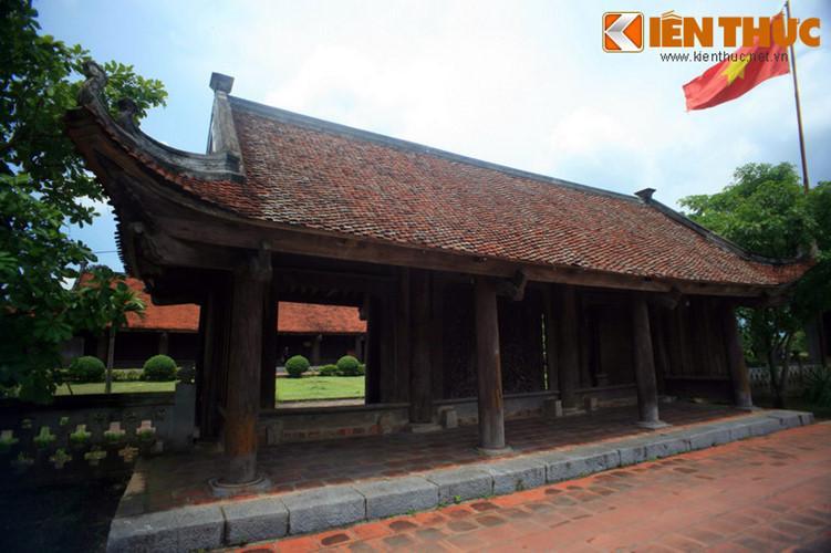 Việc xây dựng ngôi chùa Keo Thượng được bắt đầu từ năm 1630 và hoàn thành vào năm 1632. Chùa mang phong cách kiến trúc thời Lê do Cường Dũng hầu Nguyễn Văn Trụ vẽ kiểu, phỏng theo kiến trúc của chùa Keo Hành Thiện. Sau khi xây dựng xong, chùa được trùng tu nhiều lần, vào các năm 1689, 1707, 1941...