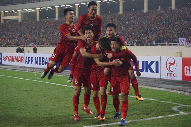 Pha ghi bàn của Hà Đức Chinh giúp đội tuyển Việt Nam thi đấu hưng phấn hơn.