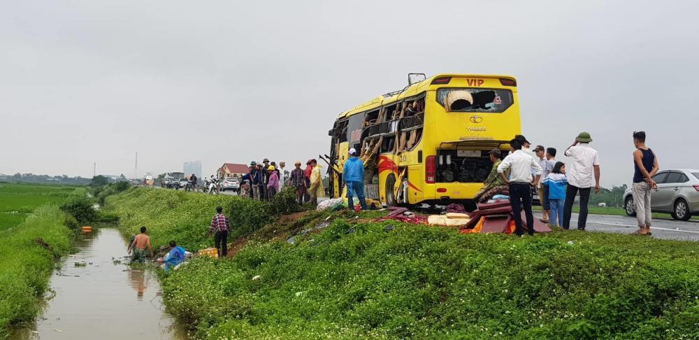 Tai nạn liên hoàn trên đường dẫn cao tốc Ninh Bình - Cầu Giẽ