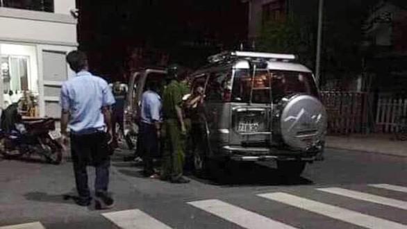 Công an ập vào bắt giữ nhóm nghi can gây ra vụ thi thể trong bê tông