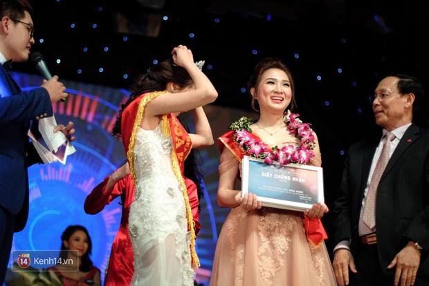 Hình ảnh của Vũ Phương Anh lúc đăng quang Miss Press Beauty vào năm 2016