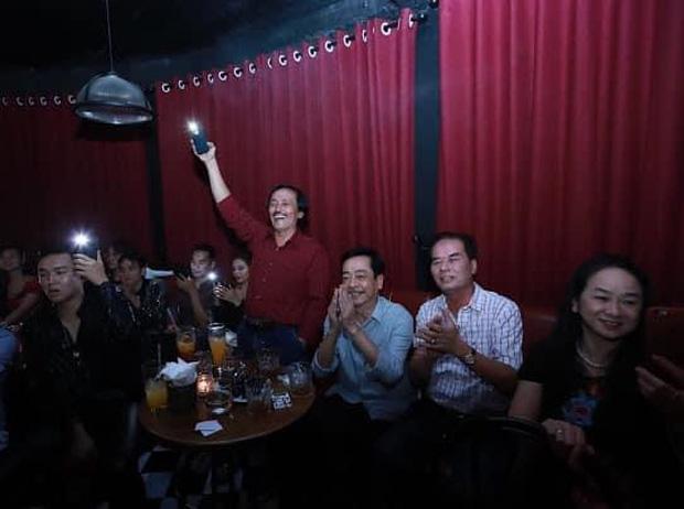 Khung ảnh gây xúc động của 2 cố nghệ sĩ Hoàng Dũng và Quang Còi - 2 nghệ sĩ gắn liền với bao thế hệ khán giả