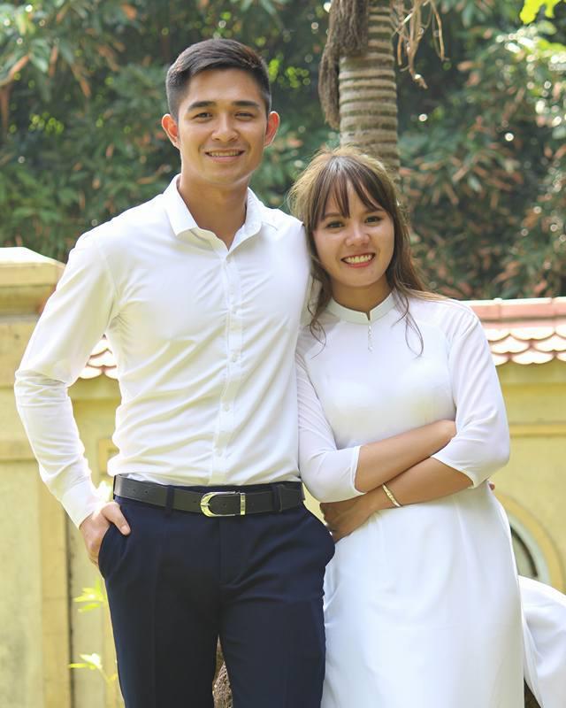 Hai nhân vật chính là Nguyễn Thị Thương, cô gái vừa tốt nghiệp trường Đại học Sư phạm, còn chàng trai tên Sử Văn Phi, hiện đang là sinh viên năm cuối trường Học viện an ninh nhân dân.