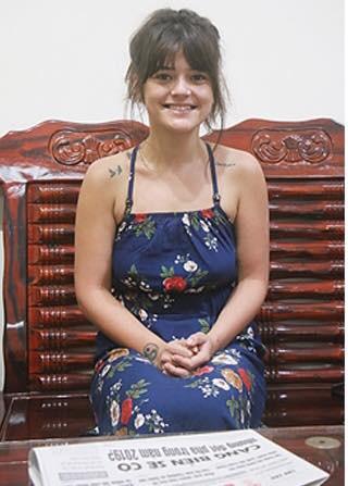 Lysiane Danièle Josette, cô gái 26 tuổi kiên cường và bản lĩnh, đủ mạnh mẽ để một mình đi tìm cha đẻ người Việt Nam. Ảnh: Bà Rịa Youth