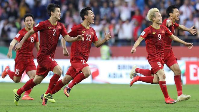 Tuyển Việt Nam có màn trình diễn ấn tượng và xứng đáng với tấm vé đi tiếp. Ảnh: Minh Chiến.