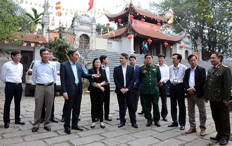 Phó Chủ tịch UBND tỉnh Nguyễn Văn Phong và đoàn công tác kiểm tra công tác chuẩn bị tổ chức lễ hội Lim Xuân Kỷ Hợi 2019.