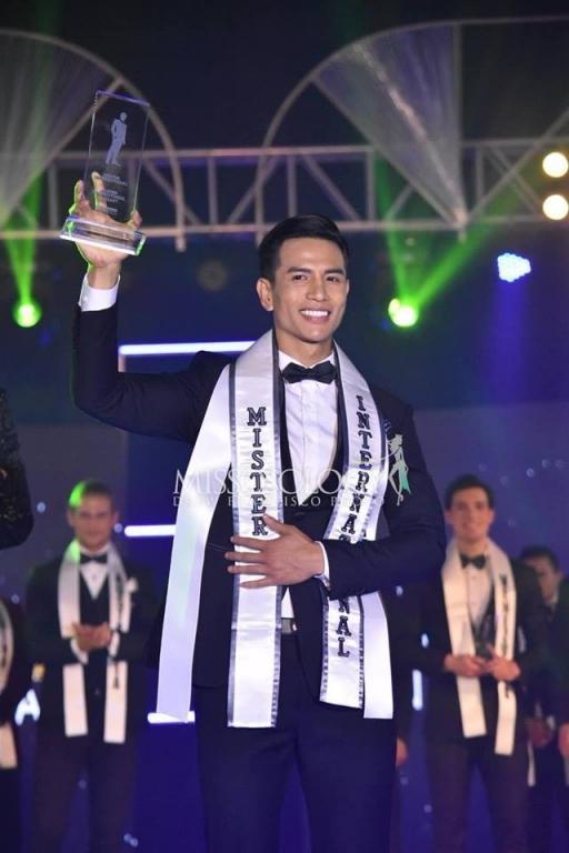 """Chiến thắng của Trịnh Bảo được rất nhiều thí sinh các nước đánh giá là """"tâm phục, khẩu phục""""."""