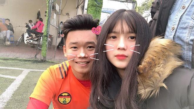Bạn gái Thành Chung là Ngô Tố Uyên (sinh năm 1999) và cùng quê Tuyên Quang với anh chàng