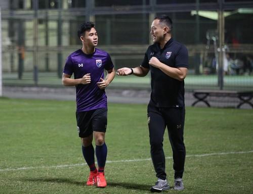 Tiền vệ công Supachok Sarachat nhiều khả năng không thể thi đấu trận gặp U23 Việt Nam ở lượt cuối vòng loại U23 châu Á 2020 vì chấn th ương.