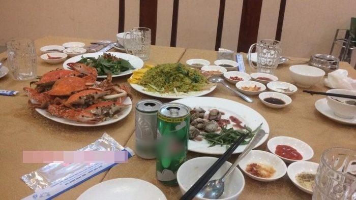 Bữa hải sản thịnh soạn.