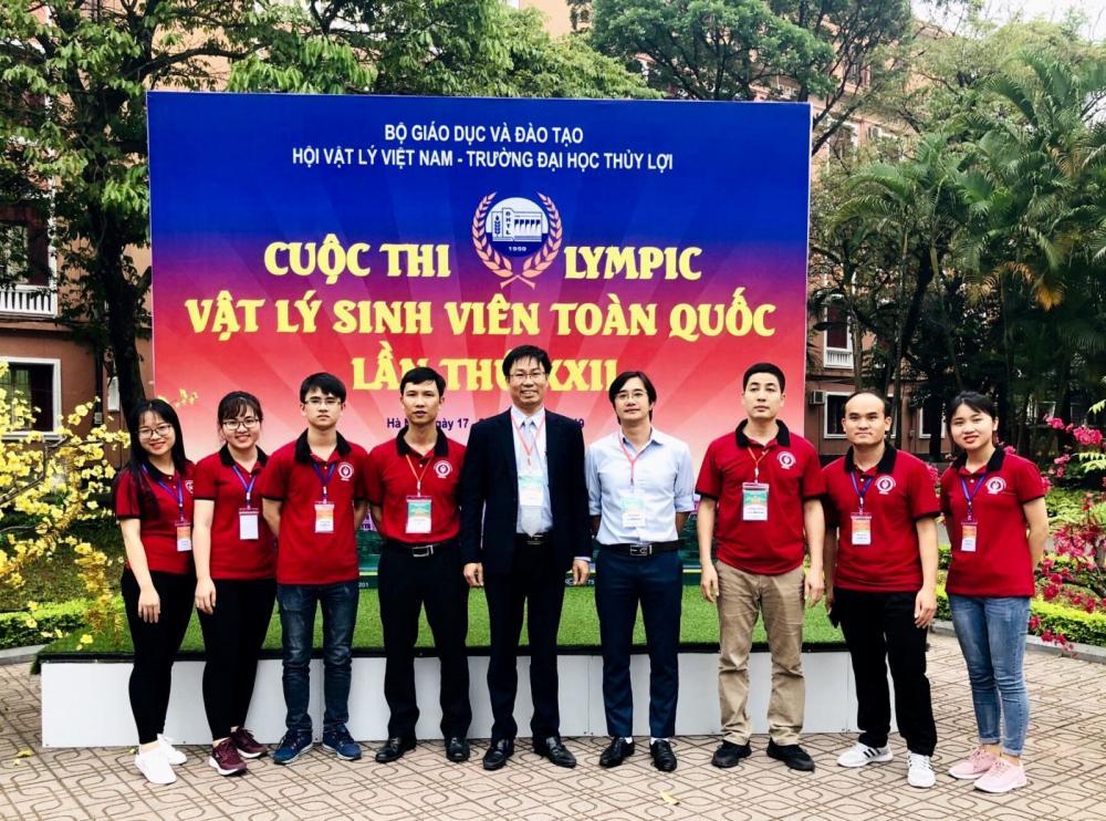 Đội tuyển Trường Đại học Sư phạm Thái Nguyên tại Cuộc thi Olympic Vật lý sinh viên toàn quốc năm 2019.