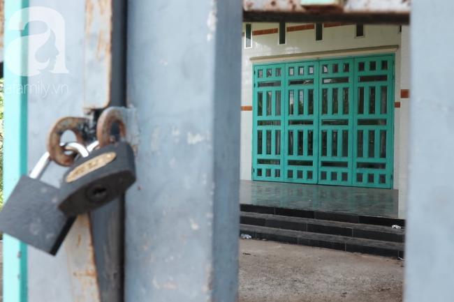 Sau khi giấu xá c 2 nạn nhân, các đối tượng khóa cửa bỏ trốn.