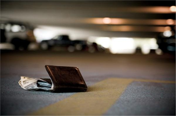 Để mất tiền là một trong những điều kiêng kỵ ngày Tết Đoan Ngọ.