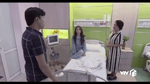 Sẽ chẳng có gì ngạc nhiên khi Nhã nằm phòng bệnh hạng sang như này vì Vũ là người thuê phòng mà Vũ thì … thiếu gì tiền, và chắc chắn anh chàng sẽ lo chỗ ở tử tế nhất cho cô gái anh ta đang