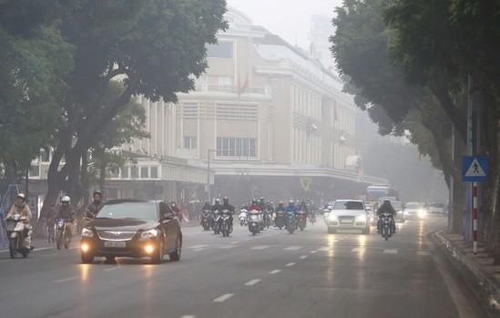 Hà Nội ngày nắng nóng, chiều tối xuất hiện mưa dông
