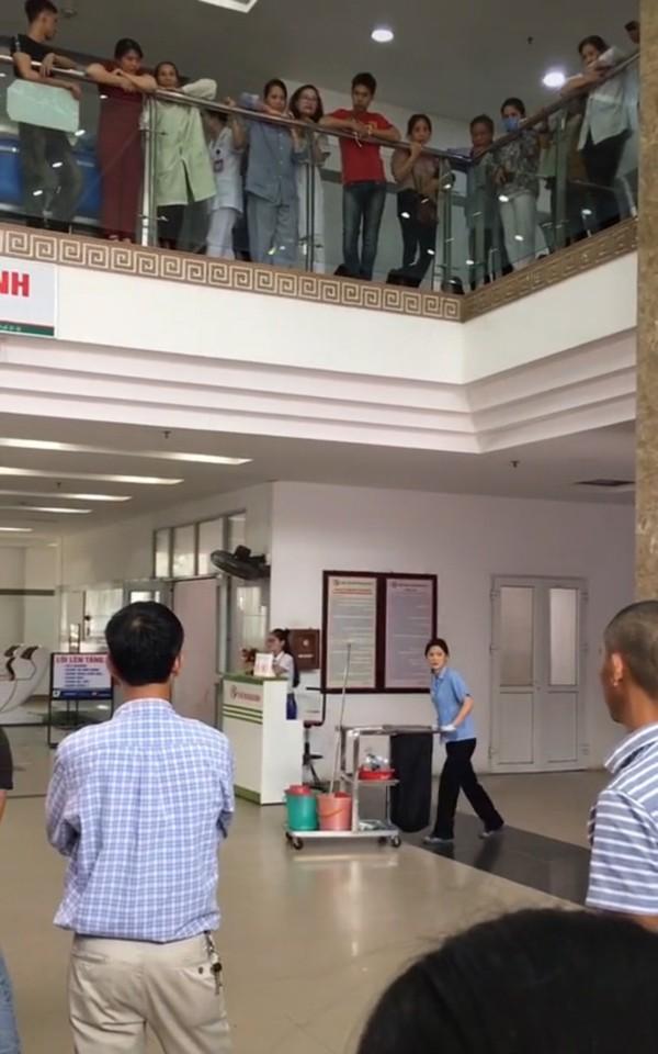 Khung cảnh bệnh viện hoàn toàn khác xa so với cảnh phim Thư đi đẻ.
