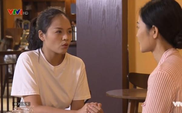 Huệ tìm gặp cô Hạnh để thuyết phục cô về nhà ở