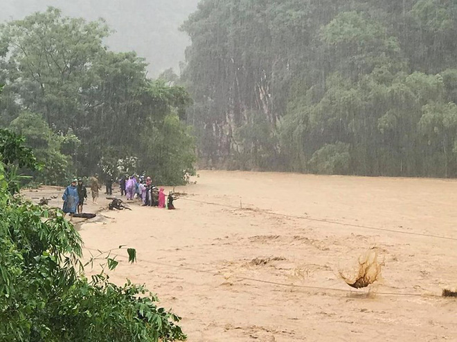 Mưa lũ khiến hai huyện Mường Lát và Quan Sơn (Thanh Hóa) bị thiệt hại nặng nề.