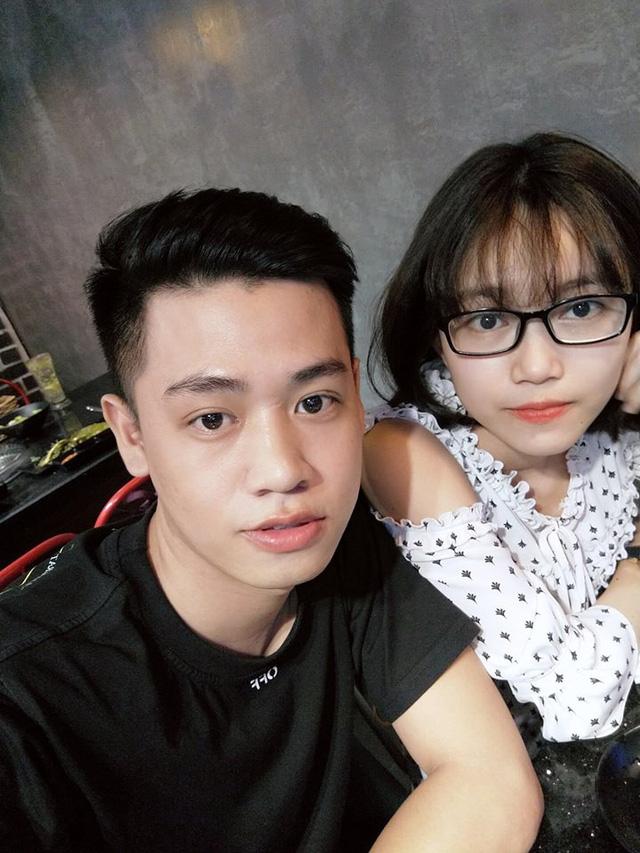 Lê Anh Tuấn và bạn gái.