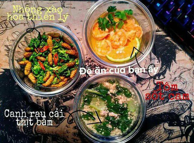 Cơm trưa Tuấn chuẩn bị cho bạn gái thường có 3 món.