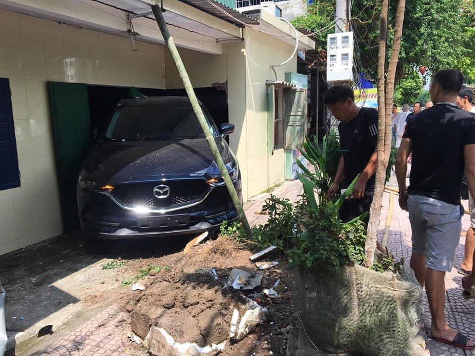 Hiện trường vụ tai nạn (ảnh: Facebooker Hiếu Lê)