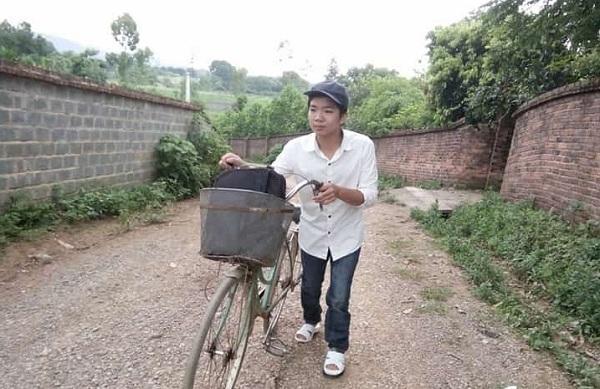 Nguyễn Trọng Tính đã đạt điểm số cao trong kỳ thi THPT,  khiến nhiều người vô cùng khâm phục (Nguồn: Vtc.vn)