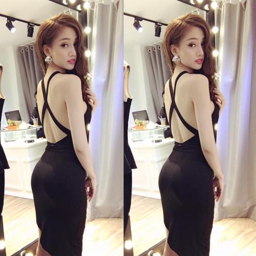 Không chỉ là bà chủ của thương hiệu thời trang đình đám Hà thành, Vân Anh Scalet còn được nhiều bạn trẻ ngưỡng mộ bởi cô sở hữu thân hình chuẩn từng centimet và gương mặt hút mọi ánh nhìn.