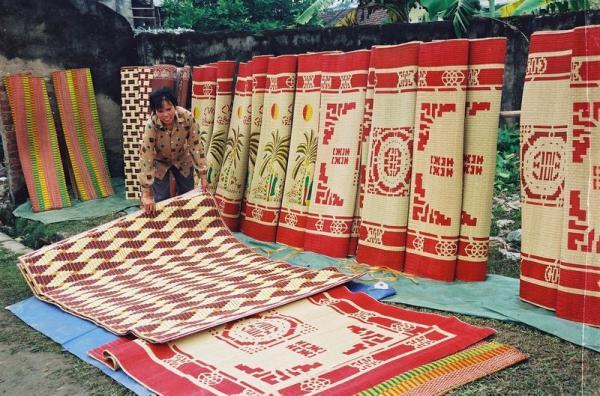 Chiếu cói Nga Sơn nổi tiếng một vùng (Nguồn: Ngason.vn)