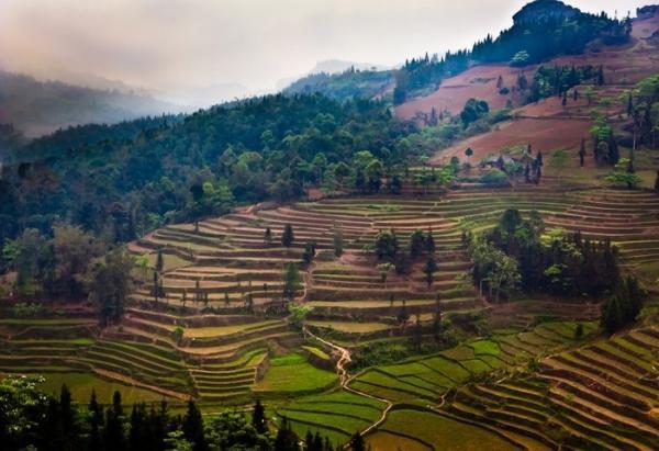 Vẻ đẹp kỳ vĩ, diệu kỳ của Cao Sơn hẳn sẽ khiến du khách say đắm ngay từ ánh nhìn đầu tiên. (Nguồn: Doug Jones)