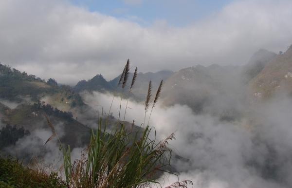 Mây trời bồng bềnh, huyền ảo bao phủ Cao Sơn. (Nguồn: newsmile4u)