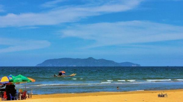 Biển Hải Hòa nên thơ và yên bình lắm! (Nguồn: Trần Đức Khôi)