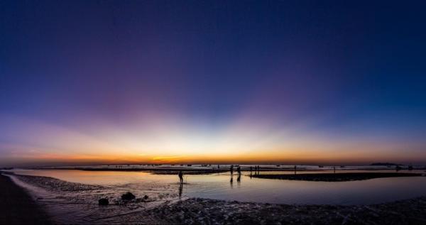 Mê đắm cảnh sắc độc đáo ở bãi biển Hải Hòa. (Nguồn: Minh Phan)