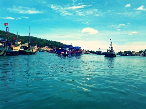 Sắc xanh của biển cả và bầu trời đẹp mê hồn. (Nguồn: Hải Thanh Beach)