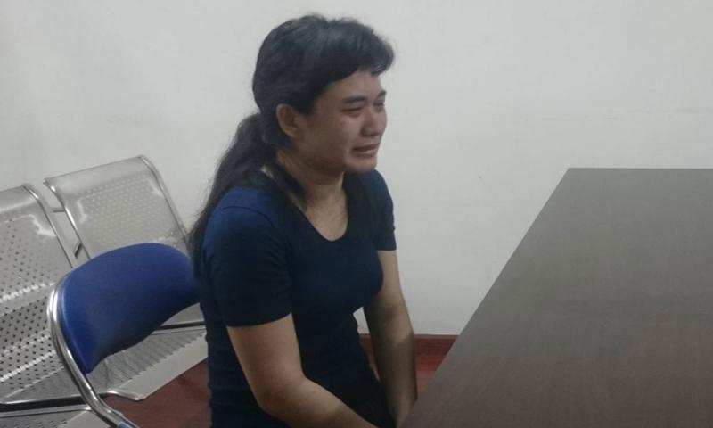 Bị cáo Trần Thị Xuân Loan khóc nức nở khi nhớ lại hành vi sát hại con