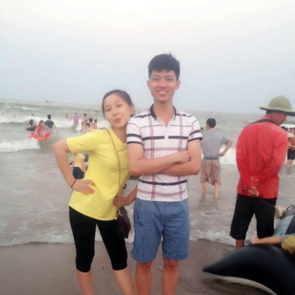 Nguyễn Oanh và Trọng Đạt khi còn chung bàn tại mái trường THPT ở thành phố Thanh Hóa.