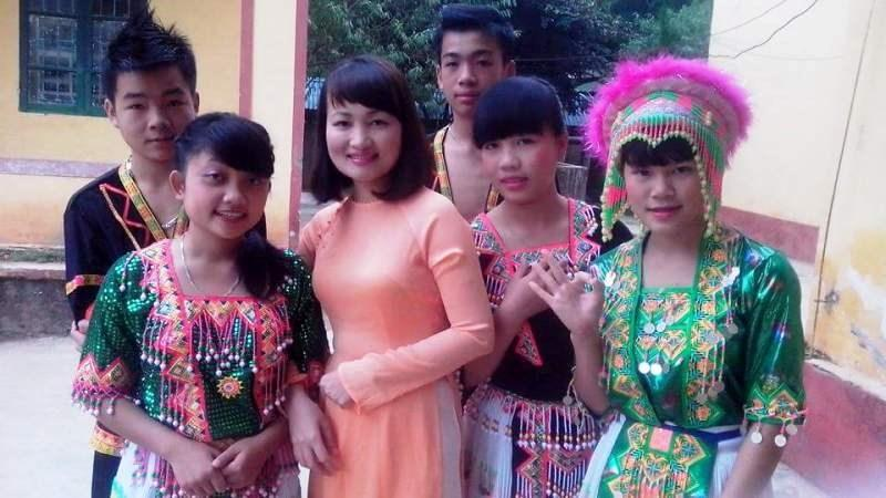 Ngôi trường nơi cô giáo Thành giảng dạy cách TP Thanh Hóa khoảng 250 km, ngôi trường này nằm ở huyện vùng cao biên giới Mường Lát. Đây là một trong những huyện nghèo nhất tỉnh Thanh Hóa, chủ yếu là đồng bào dân tộc Mông và Thái.